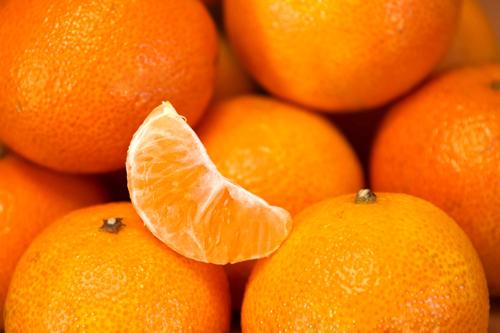 柑橘類を食べると汗がでてくるお ... なんで?
