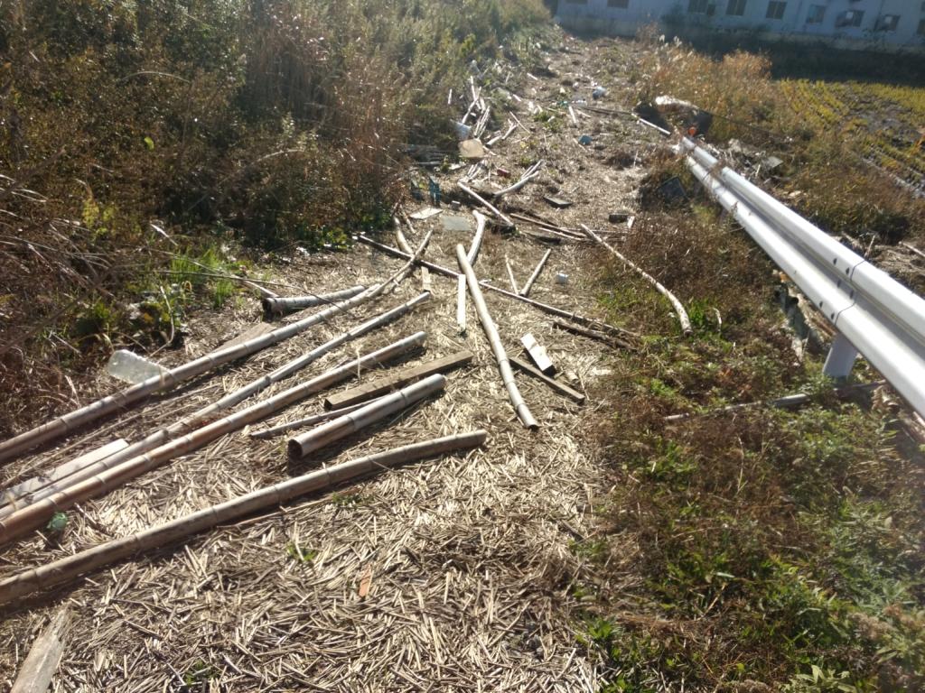 洪水で流された竹資材