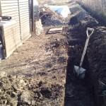 水路を掘るため小屋を移動